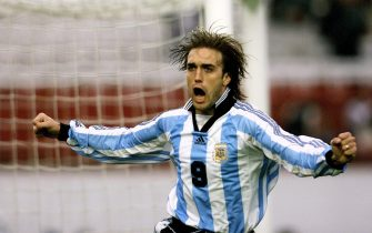 BUE02-19980525-BUENOS AIRES, ARGENTINA - Argentine soccer star Gabriel Batistuta celebrates after scoring the first goal 25 May in a friendly World Cup game against South Africa in Buenos Aires. Argentina won 2-0.  (ELECTRONIC IMAGE)             EPA PHOTO            AFP/Daniel GARCIA