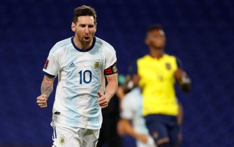 epa08730785 Lionel Messi of Argentina celebrates after scoring during the South American qualifiers for the Qatar 2022 World Cup between the national soccer teams of Argentina and Ecuador, at La Bombonera stadium in Buenos Aires, Argentina, 08 October 2020.  EPA/AGUSTIN MARCARIAN POOL