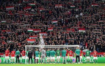 epa09444070 Players of Hungary greet their fans after they lost 4-0 to England in the FIFA World Cup Qatar 2022 qualifying Group I soccer match Hungary vs England at Puskas Ferenc Arena in Budapest, Hungary, 02 September 2021.  EPA/Tibor Illyes HUNGARY OUT