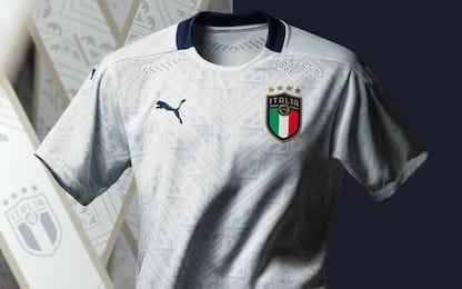Italia, presentata la nuova maglia bianca. FOTO