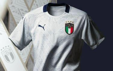 italia_maglia_away_bianca