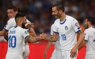 ATHENS, GREECE - JUNE 08:  Leonardo Bonucci  and Lorenzo Insigne of Italy celebrates after scoring the goal during the UEFA Euro 2020 Qualifier between Greece and Italy on June 8, 2019 in Athens, Greece.  (Photo by Claudio Villa/Getty Images)