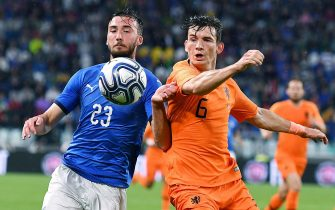 Italy's Bryan Cristante and  Netherlands' Merten De Roon in action during the friendly soccer match Italy vs Netherlands at Allianz Stadium in Turin, Italy, 4 June 2018 ANSA/ALESSANDRO DI MARCO