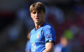 WALSALL, ENGLAND - MAY 07:  Lorenzo Colombo of Italy during the UEFA European Under-17 Championship match between England and Italy at Bescot Stadium on May 7, 2018 in Walsall, England.  (Photo by Gareth Copley/Getty Images)
