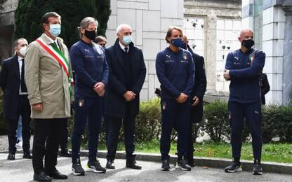 Italia, delegazione al cimitero di Bergamo. VIDEO