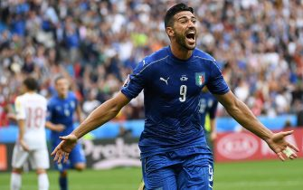 Italys Graziano Pelle celebrates after scoring during the UEFA EURO 2016 round of 16 match between Italy and Spain at the Stade de France in Saint-Denis, France, 27 June 2016.Ansa/Daniel Dal Zennaro