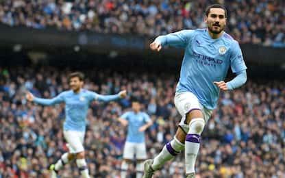 City super, tris all'Aston Villa: -3 dal Liverpool