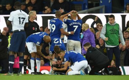 Gomes, infortunio shock in Everton-Spurs: VIDEO
