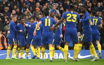 LONDON, ENGLAND - JANUARY 05: Callum Hudson-Odoi of Chelsea celebrates with teammates after scoring his team's first goal during the FA Cup Third Round match between Chelsea and Nottingham Forest at Stamford Bridge on January 05, 2020 in London, England. (Photo by Mike Hewitt/Getty Images)