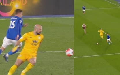 Reina, uscita a vuoto e gol del Leicester VIDEO