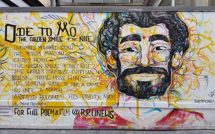 Un murales di Salah nel centro di Liverpool