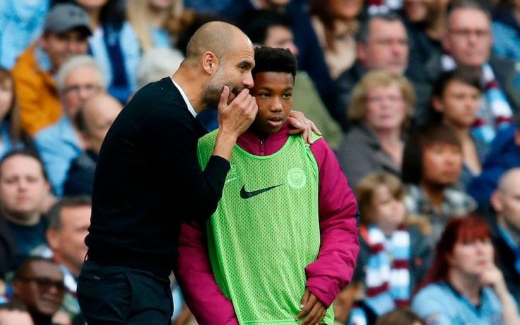 La lezione tattica di Guardiola a un raccattapalle durante City-Crystal Palace del 2017