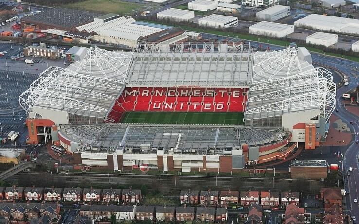 Old Trafford visto dall'alto