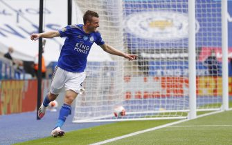 epa08526971 Jamie Vardy of Leicester celebrates scoring his team's third goal during the English Premier League match between Leicester City and Crystal Palace in Leicester, Britain, 04 July 2020.  EPA/Jason Cairnduff/NMC/Pool EDITORIAL USE ONLY. No use with unauthorized audio, video, data, fixture lists, club/league logos or 'live' services. Online in-match use limited to 120 images, no video emulation. No use in betting, games or single club/league/player publications.
