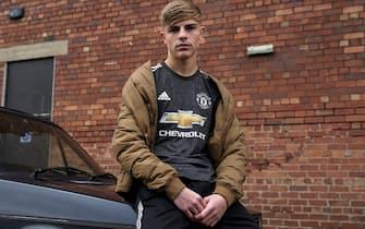 manchester united la nuova maglia da trasferta 2020 2021 sky sport manchester united la nuova maglia da