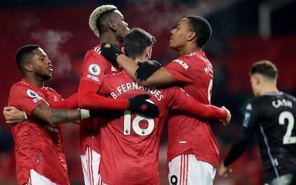 Aston Villa ko 2-1: United in testa col Liverpool