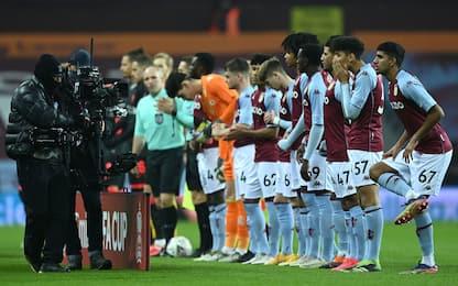 """""""Baby"""" Aston Villa ko coi Reds: Barry gol-record"""