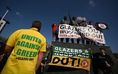 Superlega, protesta tifosi United. Reds applauditi