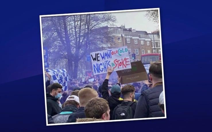 Striscione di protesta dei tifosi del Chelsea