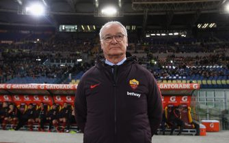 ROME, ITALY - MARCH 11:  AS Roma head coach Claudio Ranieri looks on during the Serie A match between AS Roma and Empoli at Stadio Olimpico on March 11, 2019 in Rome, Italy.  (Photo by Paolo Bruno/Getty Images)