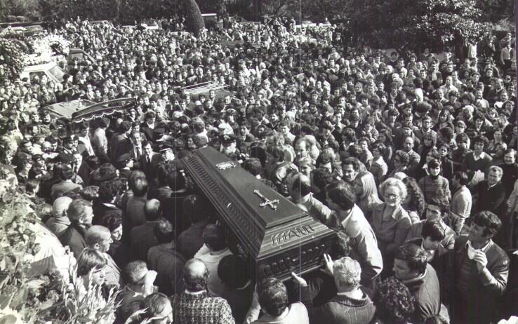 Il funerale di Paparelli