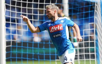 NAPLES, ITALY - SEPTEMBER 29: Dries Mertens of SSC Napoli celebrates after scoring the 1-0 goal during the Serie A match between SSC Napoli and Brescia Calcio at Stadio San Paolo on September 29, 2019 in Naples, Italy. (Photo by Francesco Pecoraro/Getty Images)