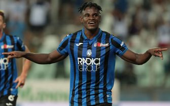 PARMA, ITALY - SEPTEMBER 01:  Duvan Zapata of Atalanta BC celebrates his second goal during the Serie A match between Atalanta BC and Torino FC at Stadio Ennio Tardini on September 1, 2019 in Parma, Italy.  (Photo by Emilio Andreoli/Getty Images)