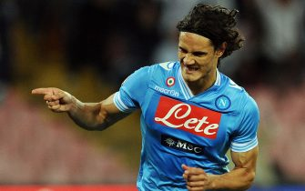 NAPLES, ITALY - MAY 05:  Edinson Cavani of Napoli celebrates after scoring his team's second goal during the Serie A match between SSC Napoli and FC Internazionale Milano at Stadio San Paolo on May 5, 2013 in Naples, Italy.  (Photo by Giuseppe Bellini/Getty Images)