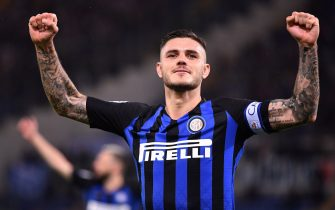 Inter Milan's Argentinan forward Mauro Icardi celebrates after scoring during Italian Serie A football match Lazio between Inter Milan at the Olympic stadium in Roma, on October 29, 2018. (Photo by Alberto PIZZOLI / AFP)        (Photo credit should read ALBERTO PIZZOLI/AFP/Getty Images)