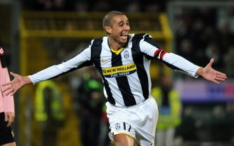 PALERMO, ITALY - FEBRUARY 21: David Trezeguet of Juventus celebrates scoring the second goal during the Serie A match between Palermo and Juventus at the Stadio Barbera  on February 21, 2009 in Palermo, Italy. (Photo by New Press/Getty Images)
