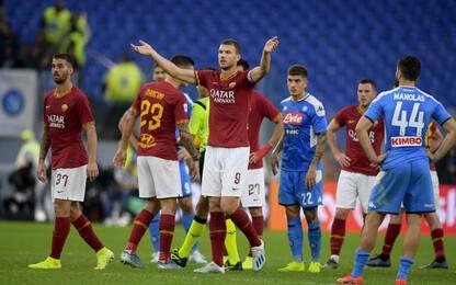 Roma-Napoli sospesa: Dzeko cambia cori in applausi