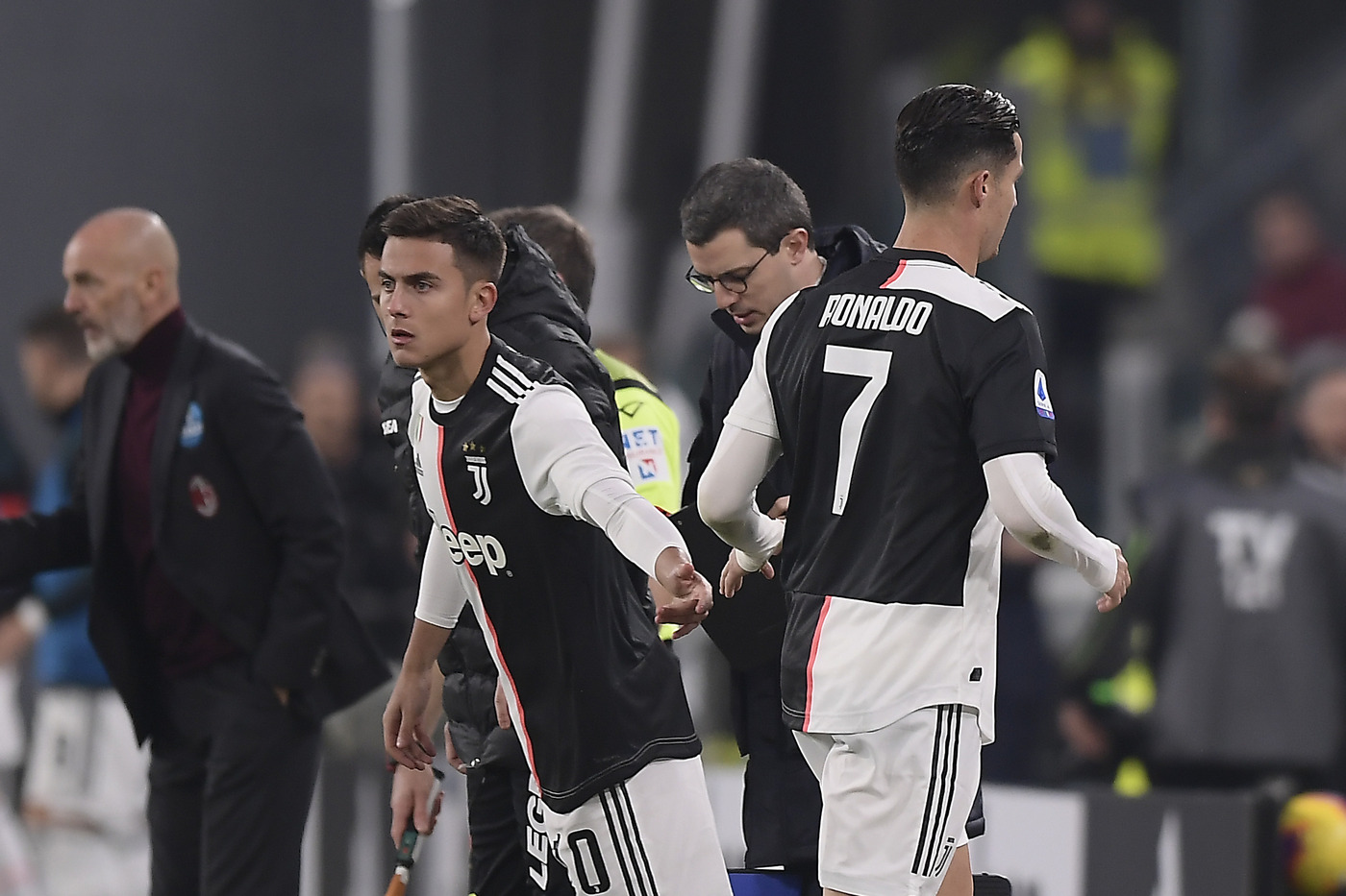 Foto LaPresse - Fabio Ferrari 10 Novembre 2019 Torino, Italia  Sport Calcio ESCLUSIVA TORINO FC Juventus Fc vs AC Milan - Campionato di calcio Serie A TIM 2019/2020 - Allianz Stadium. Nella foto:Cristiano Ronaldo (Juventus F.C.);sostituito con Paulo Dybala (Juventus F.C.)  Photo LaPresse - Fabio Ferrari November 10, 2019 Turin, Italy sport soccer EXCLUSIVE TORINO FC Juventus Fc vs Ac Milan - Italian Football Championship League A TIM 2019/2020 - Allianz Stadium. In the pic:Cristiano Ronaldo (Juventus F.C.); Paulo Dybala (Juventus F.C.)