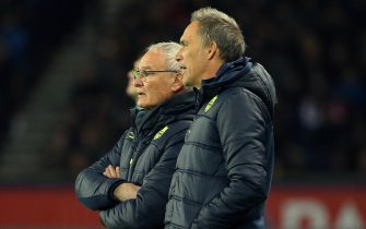 PARIS, FRANCE - NOVEMBER 18: Coach of FC Nantes Claudio Ranieri and his assistant coach Paolo Benetti during the French Ligue 1 match between Paris Saint Germain (PSG) and FC Nantes at Parc des Princes stadium on November 18, 2017 in Paris, France. (Photo by Jean Catuffe/Getty Images)