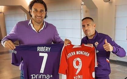 """Ribery scambia la maglia con Toni: """"Una leggenda"""""""