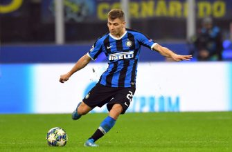 MILAN, ITALY - OCTOBER 23:  Nicolò Barella of FC Internazionale in action during the UEFA Champions League group F match between FC Internazionale and Borussia Dortmund at Giuseppe Meazza Stadium on October 23, 2019 in Milan, Italy.  (Photo by Alessandro Sabattini/Getty Images)