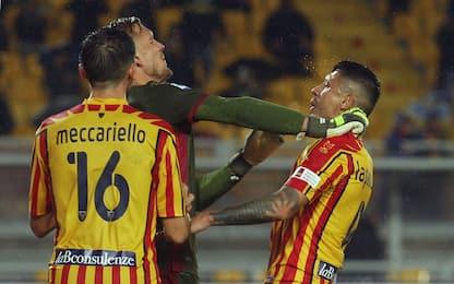 Il Cagliari perde la testa, rimonta Lecce: è 2-2