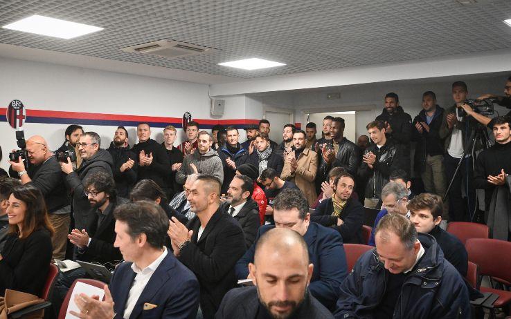 I giocatori del Bologna presenti alla conferenza stampa di Mihajlovic