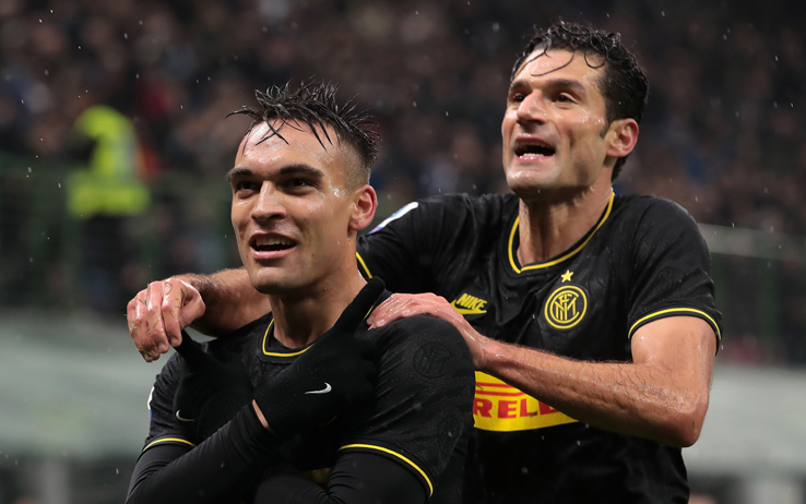Inter-Spal 2-1, gol e highlights. Sorpasso alla Juve, nerazzurri in ...