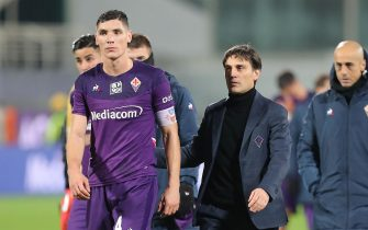 FLORENCE, ITALY - NOVEMBER 30: Vincenzo Montella manager of ACF Fiorentina shows his dejection during the Serie A match between ACF Fiorentina and US Lecce at Stadio Artemio Franchi on November 30, 2019 in Florence, Italy.  (Photo by Gabriele Maltinti/Getty Images)