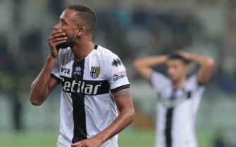 PARMA, ITALY - OCTOBER 29:  Hernani of Parma Calcio reacts after missing a chance of a goal during the Serie A match between Parma Calcio and Hellas Verona at Stadio Ennio Tardini on October 29, 2019 in Parma, Italy.  (Photo by Emilio Andreoli/Getty Images)