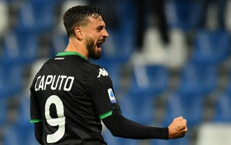 REGGIO NELL'EMILIA, ITALY - NOVEMBER 08:  Francesco Caputo of US Sassuolo  celebrates after scoring the opening goal during the Serie A match between US Sassuolo and Bologna FC at Mapei Stadium - Città del Tricolore on November 8, 2019 in Reggio nell'Emilia, Italy  (Photo by Alessandro Sabattini/Getty Images)