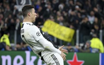 TURIN, ITALY - MARCH 12: Cristiano Ronaldo of Juventus celebrates the victory at final whistle following the UEFA Champions League Round of 16 Second Leg match between Juventus and Club de Atletico Madrid at Allianz Stadium on March 12, 2019 in Turin, Italy. (Photo by Jean Catuffe/Getty Images)