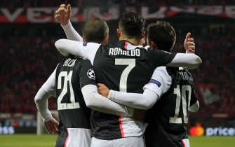 LEVERKUSEN, GERMANY - DECEMBER 11: (BILD ZEITUNG OUT) Cristiano Ronaldo of Juventus Turin celebrate with Paulo Dybala of Juventus Turin during the UEFA Champions League group D match between Bayer Leverkusen and Juventus at BayArena on December 11, 2019 in Leverkusen, Germany. (Photo by TF-Images/Getty Images)