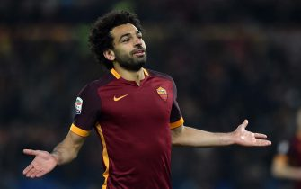 ROME, ITALY - MARCH 04:  Mohamed Salah of AS Roma celebrates after scoring the goal 4-1 during the Serie A match between AS Roma and ACF Fiorentina at Stadio Olimpico on March 4, 2016 in Rome, Italy.  (Photo by Giuseppe Bellini/Getty Images)