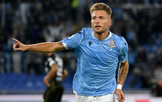 ROME, ITALY - SEPTEMBER 22:  Ciro Immobile of SS Lazio celebrates a opening goal during the Serie A match between SS Lazio and Parma Calcio at Stadio Olimpico on September 22, 2019 in Rome, Italy.  (Photo by Marco Rosi/Getty Images)