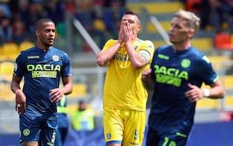 Frosinone's Daniel Ciofani (C) reacts during the italian Serie A soccer match between Frosinone Calcio and Udinese Calcio at Benito Stirpe stadium in Frosinone, Italy, 12 May 2019. ANSA/FEDERICO PROIETTI