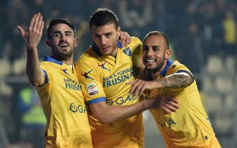 FROSINONE, ITALY - OCTOBER 28:  Daniel Ciofani of Frosinone celebrates after scoring the opening goal during the Serie A match between Frosinone Calcio and Carpi FC at Stadio Matusa on October 28, 2015 in Frosinone, Italy.  (Photo by Giuseppe Bellini/Getty Images)
