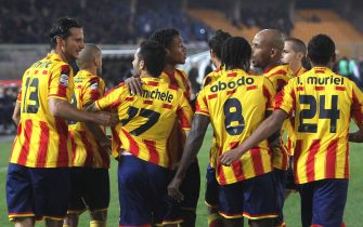 LECCE, ITALY - DECEMBER 10:  David Di Michele #17 of Lecce is congratulated by team-mates after scoring the opening goal from a penalty during the Serie A match between US Lecce and SS Lazio at Stadio Via del Mare on December 10, 2011 in Lecce, Italy.  (Photo by Maurizio Lagana/Getty Images)