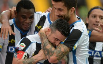 UDINE, ITALY - SEPTEMBER 19:  Antonio Di Natale (C) of Udinese Calcio celebrate with team mates after zapata's goal during the Serie A match between Udinese Calcio v Empoli FC at Stadio Friuli on September 19, 2015 in Udine, Italy.  (Photo by Dino Panato/Getty Images)
