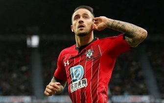 NEWCASTLE UPON TYNE, ENGLAND - DECEMBER 08: Danny Ings of Southampton celebrates after scoring his team's first goal during the Premier League match between Newcastle United and Southampton FC at St. James Park on December 08, 2019 in Newcastle upon Tyne, United Kingdom. (Photo by Jan Kruger/Getty Images)